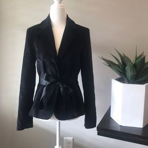 SIze 4 GAP Black velvet blazer with silk tie bow